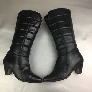 Vintage Etienne Aigner black quilted Leather boots